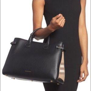 Burberry Banner Black Medium House Check Bag Print